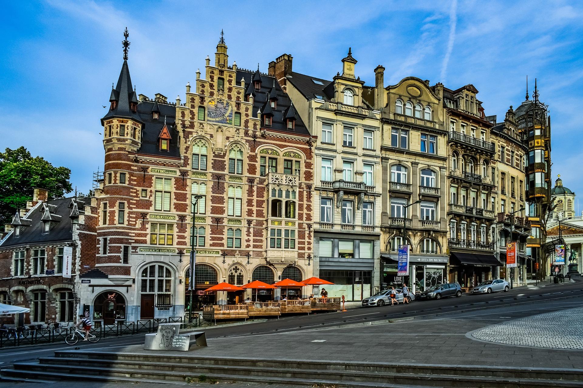 Façades bruxelloises visibles lors de la visite Brusseleirs d'Hier et d'Aujourd'hui de Brussels By Foot