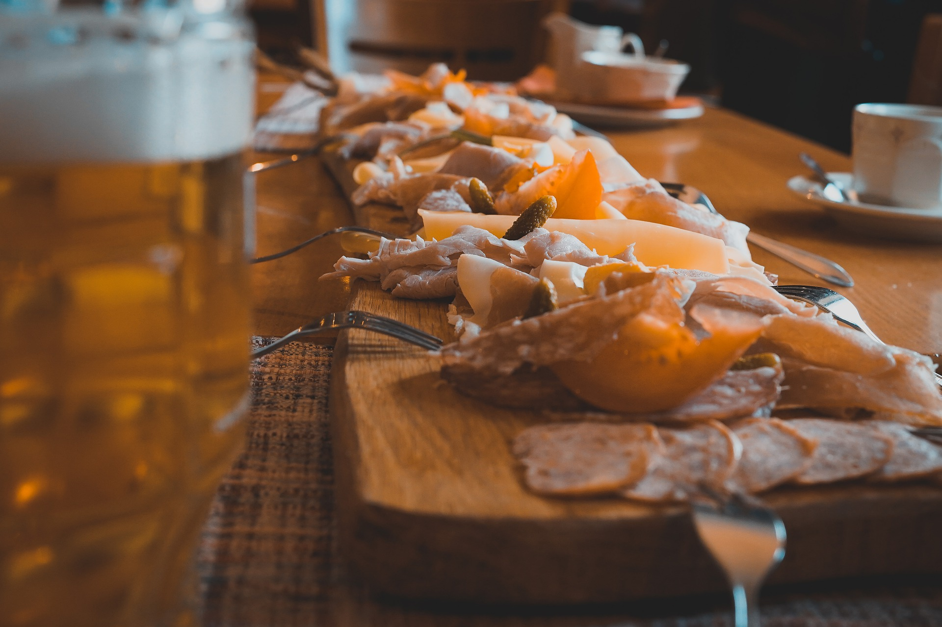 Aperitif and Tasting of beers and cold meats during a guided tour with Brussels By Foot
