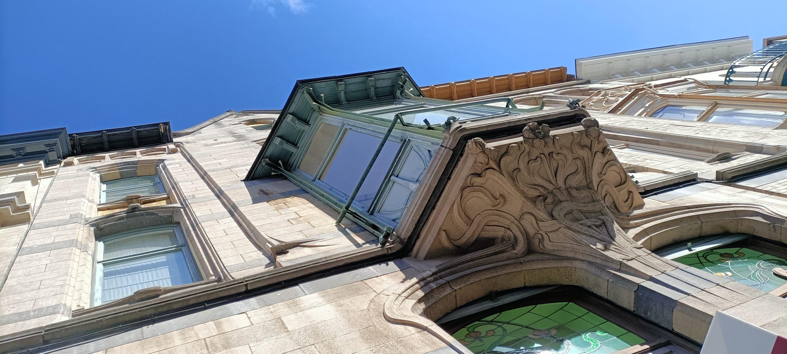 bow window art nouveau
